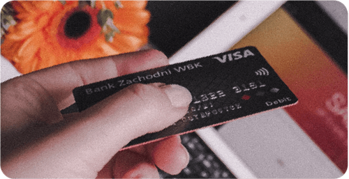 Dynamic currency conversion for card payment systems